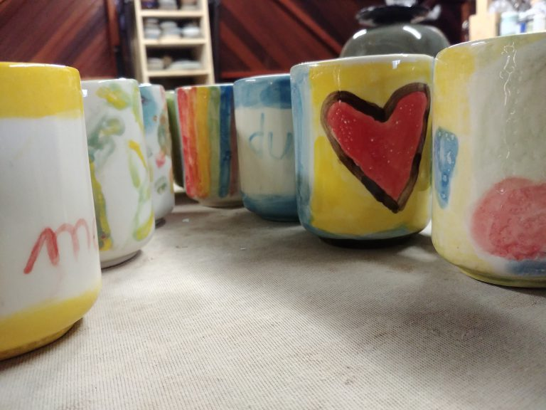Kids party, colourful mugs underglaze