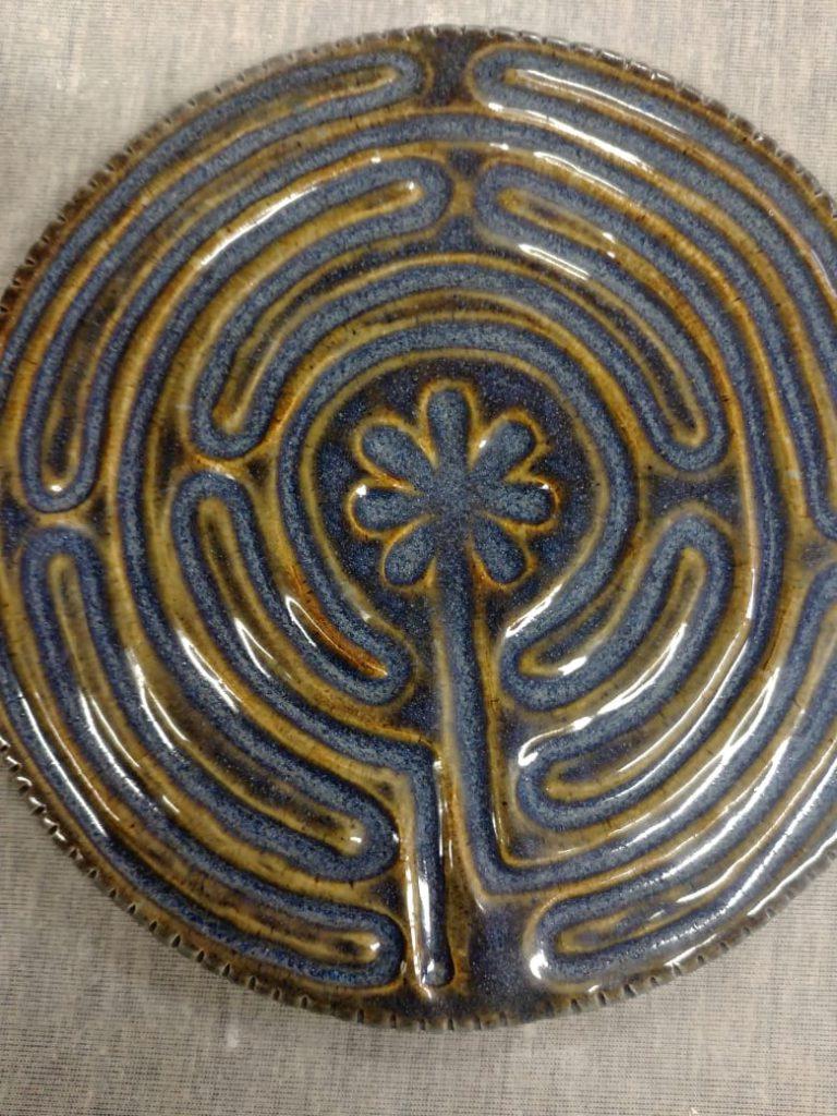 Ceramics, stoneware, glaze, finger labirynth