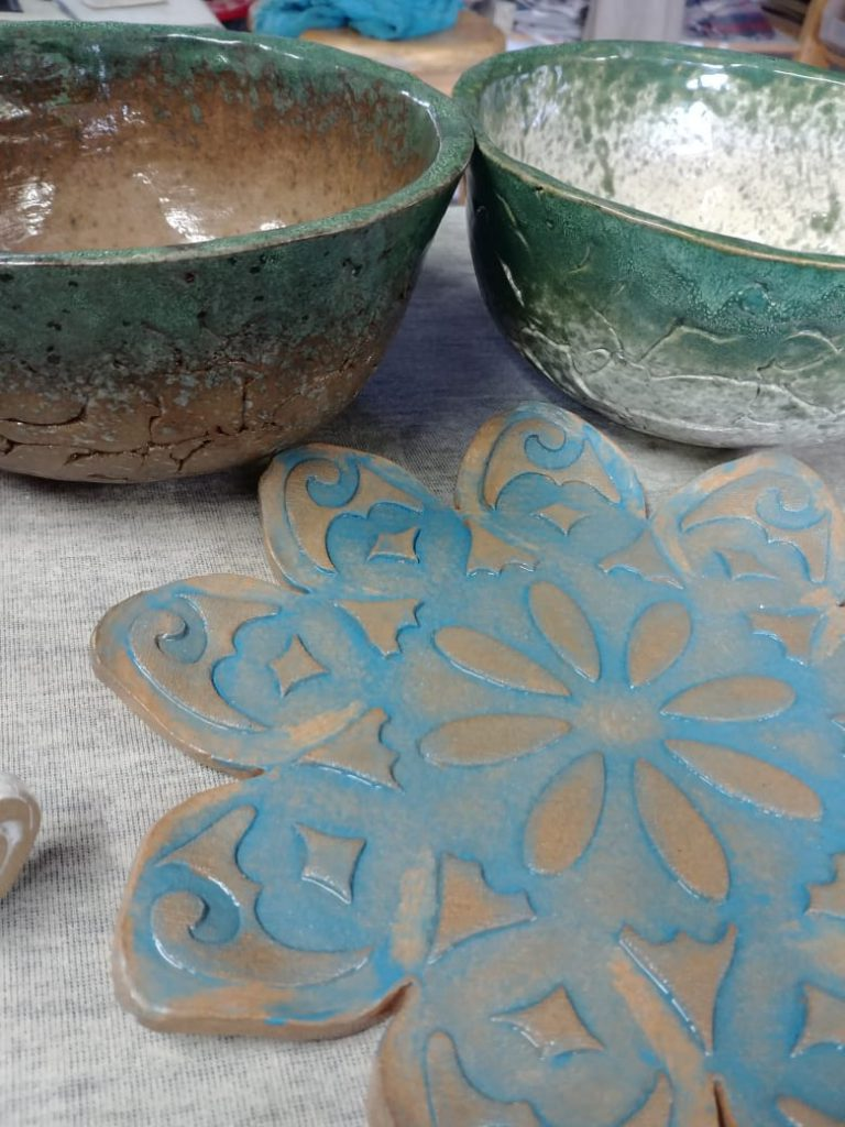 Ceramic bowls, earthen ware and Stone ware